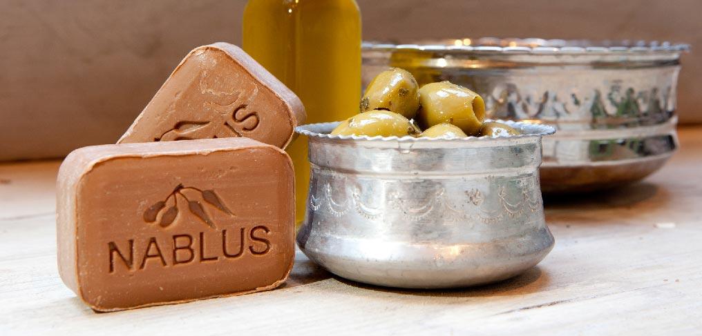 http://www.nablussoap.eu/wp-content/uploads/2012/01/Nablus-oliveoil-a.jpg